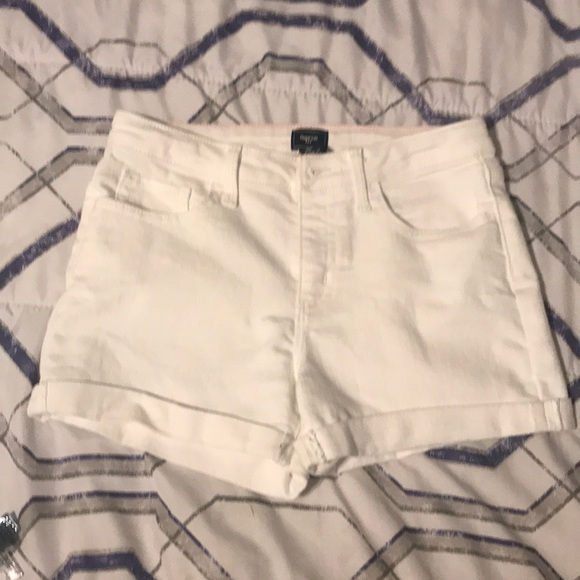 GAP Other - White jean shorts